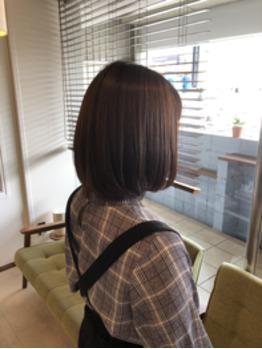 ピンピンしない自然なストレートヘア
